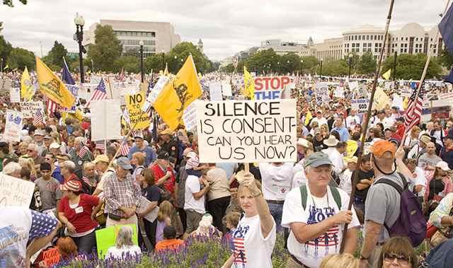 Tea Party hurts Republicans at ballot box