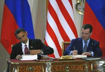 Obama, Medvedev sign new nuke treaty