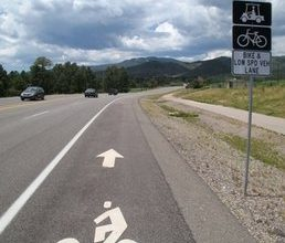 LaHood's bike policy hits GOP potholes