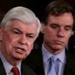 Democratic Senators Christopher Dodd and Mark Warner (AFP)