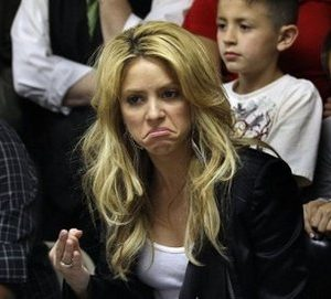Latin pop star Shakira protests Arizona immigration law (AFP)