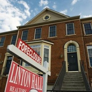 Foreclosed home in Centreville, VA (AFP)