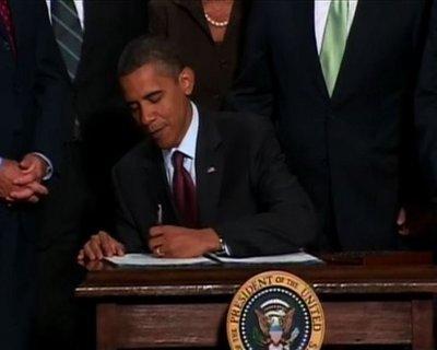 Obama signs Wall Street reform bill