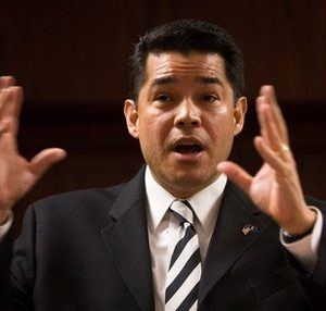 Fired U.S. Attorney David Iglesias (AP)
