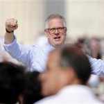 Glenn Beck: There's gold in them thar shrills (Reuters)