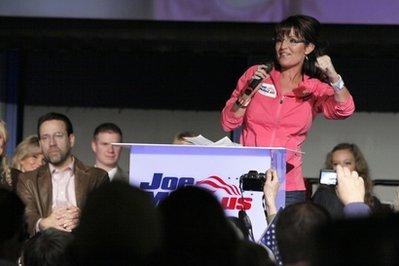 Murkowski's win dims Palin's political star