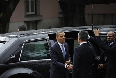 Obama's gas-guzzling ride anything but green