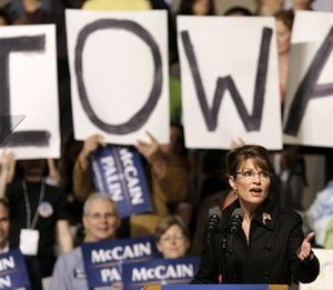 Alaska Gov. Sarah Palin speaks to supporters during a rally, in Des Moines, Iowa. (AP Photo/Charlie Neibergall)