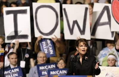 Palin: Political contender or pretender?