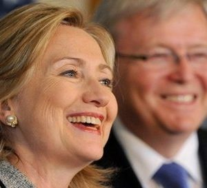 Former Austrailian leader Kevin Rudd with Hillary Clinton (AFP)