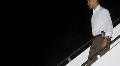 Stop the presses! Obamas go to church