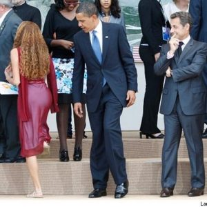 Obama: Admiring the scenery