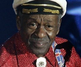 Rock legend Chuck Berry stricken before Chicago show