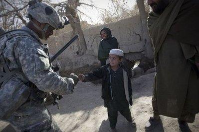 Suicide bomber kills 17 in Afghanitan