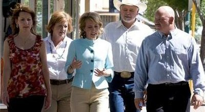 Giffords a leading voce in immigration debate