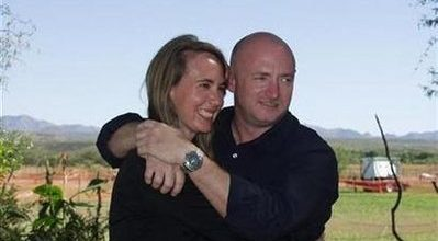 Giffords' husband: 'She recognized me'