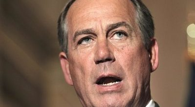 Boehner snubs tea party, shows willingness to compromise