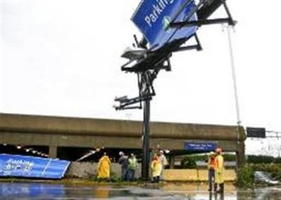 St. Louis airport reopens after tornado