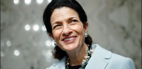 Tea party goes after Olympia Snowe