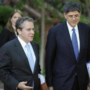 U.S. Director of the National Economic Council Gene Sperling (L) and Director of the Office of Management and Budget Jacob Lew depart after meeting with a bipartisan group of lawmakers and Vice President Joe Biden to work on a legislative framework for comprehensive deficit reduction at the Blair House in Washington May 10, 2011.     REUTERS/Jonathan Ernst