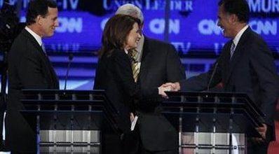 Romney, Bachmann lead GOP field in Iowa poll