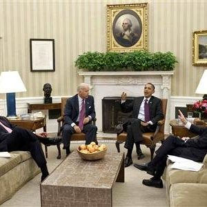 President Barack Obama (2nd R) and Vice President Joe Biden (2nd L) meet with House Speaker John Boehner (L) and House Majority Leader Eric Cantor in the Oval Office at the White House in Washington. (Pete Souza/The White House)