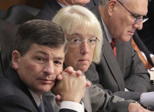 Political bickering dominates debt panel