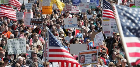 Tea party struggles to regain lost glory