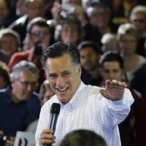 Mitt Romney campaign in Marion, Iowa (REUTERS/Brian Snyder)