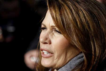 Bachmann drops out, Perry stays…for now