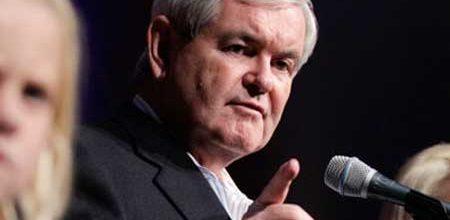 Bitter Gingrich attacks Romney, Paul before fleeing Iowa