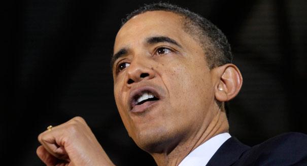 Obama targets Santorum on economy