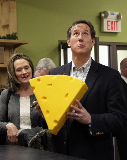 Santorum's show playing to mostly empty rooms
