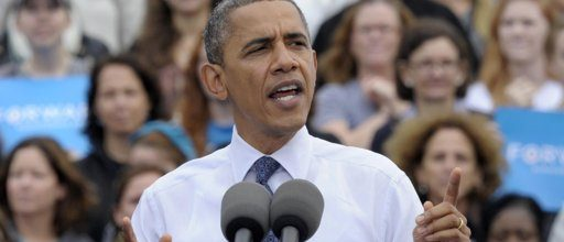 As Romney closes in, Obama hits campaign trail in swing states
