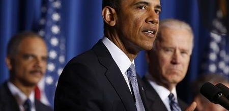 Obama tones down attacks on Republicans in budget mess