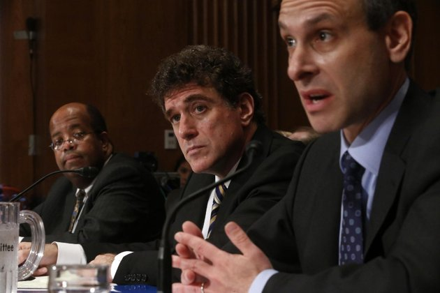 Former IRS boss pleads ignorance on targeting of right-wing groups
