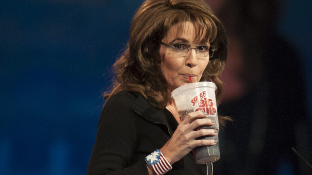 Posturing Palin pushes right-wing fanaticism in Iowa