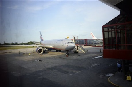 The Aeroflot plane Edward Snowden wasn't on. (AP Photo/Alexander Zemlianichenko)