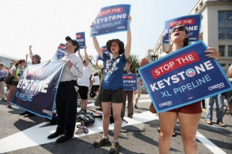 Activists protest against the Keystone XL pipeline outside the US State Department in Washington, DC (AFP, Alex Wong)