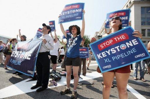 Protesters: 'Obama, stop pipeline!'