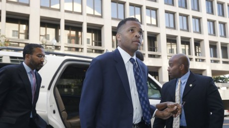 Jesse Jackson Jr. arrives in court for his sentencing hearing in Washington, August 14, 2013. Jackson Jr., the former Congressman and son of Jesse Jackson, is scheduled to be sentenced on Wednesday. (REUTERS/Jason Reed)
