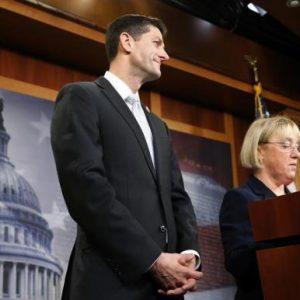 House Budget Committee chairman Representative Paul Ryan (R-WI) (C) and Senate Budget Committee chairman Senator Patty Murray (D-WA) (R). REUTERS/Jonathan Ernst