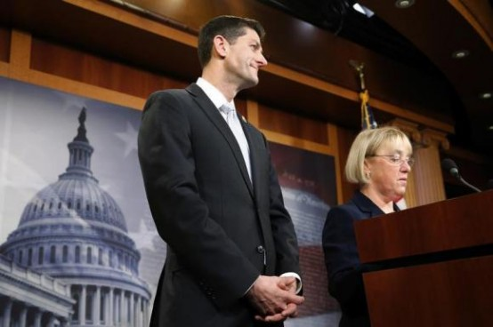House Budget Committee chairman Representative Paul Ryan (R-WI) (C) and Senate Budget Committee chairman Senator Patty Murray (D-WA) (R). REUTERS/Jonathan Ernst