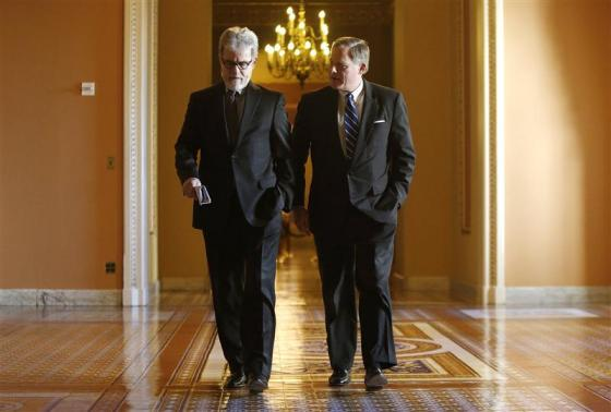 U.S. Senator Tom Coburn (R-OK) (L) and Senator Richard Burr (R-NC). (REUTERS/Jonathan Ernst)