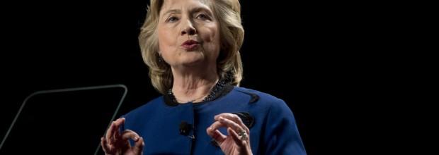 Hillary Clinton praises veto of anti-gay law in Arizona