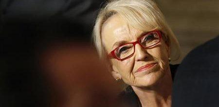 Prominent Republicans urge veto of Arizona anti-gay bill
