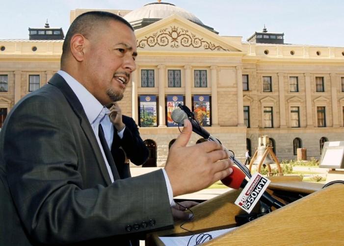 Arizona lawmaker: 'I'm gay, Latino and a state senator'