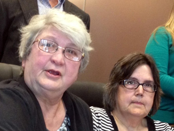 Couples sue Indiana over gay marriage ban
