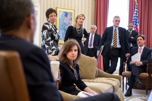 Alyssa Mastromonaco, center.  (White House Photo / Pete Souza)