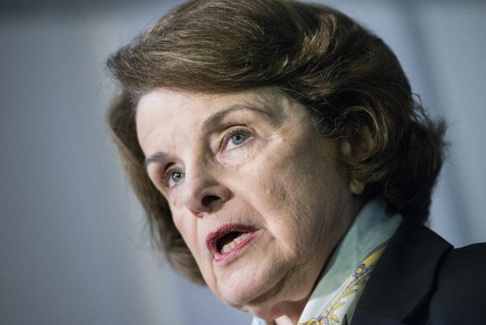 Feinstein: Hillary owes explanation on emails